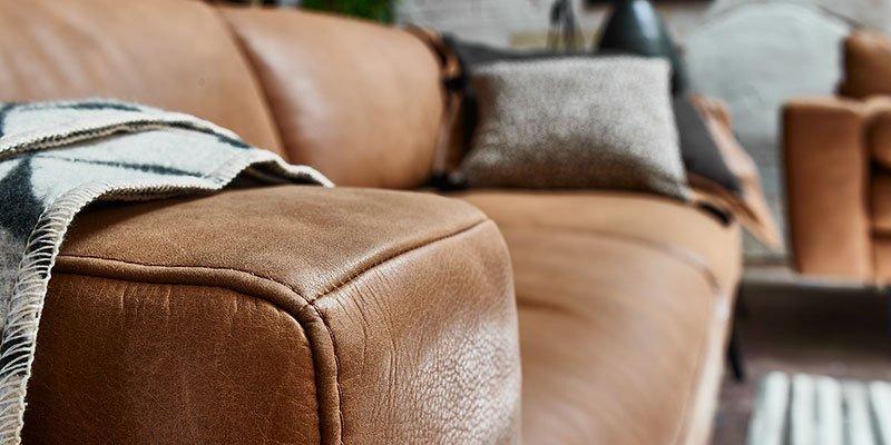 Sofa mit Lederbezug