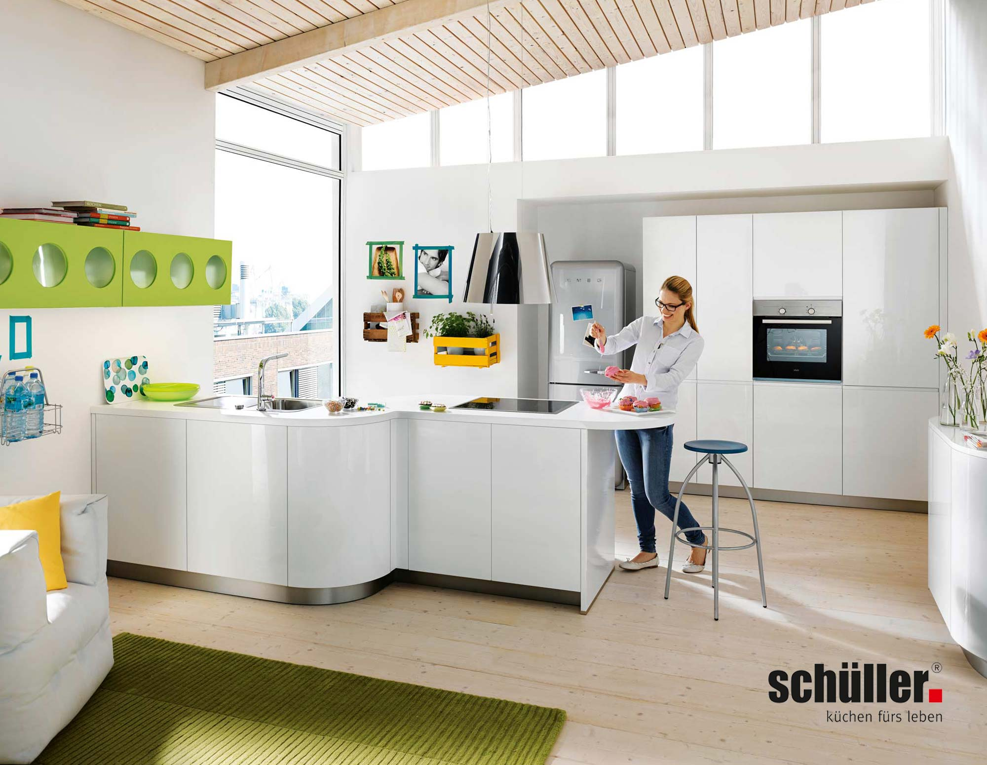 Schüller Gala Küche in Hochglanz weiß