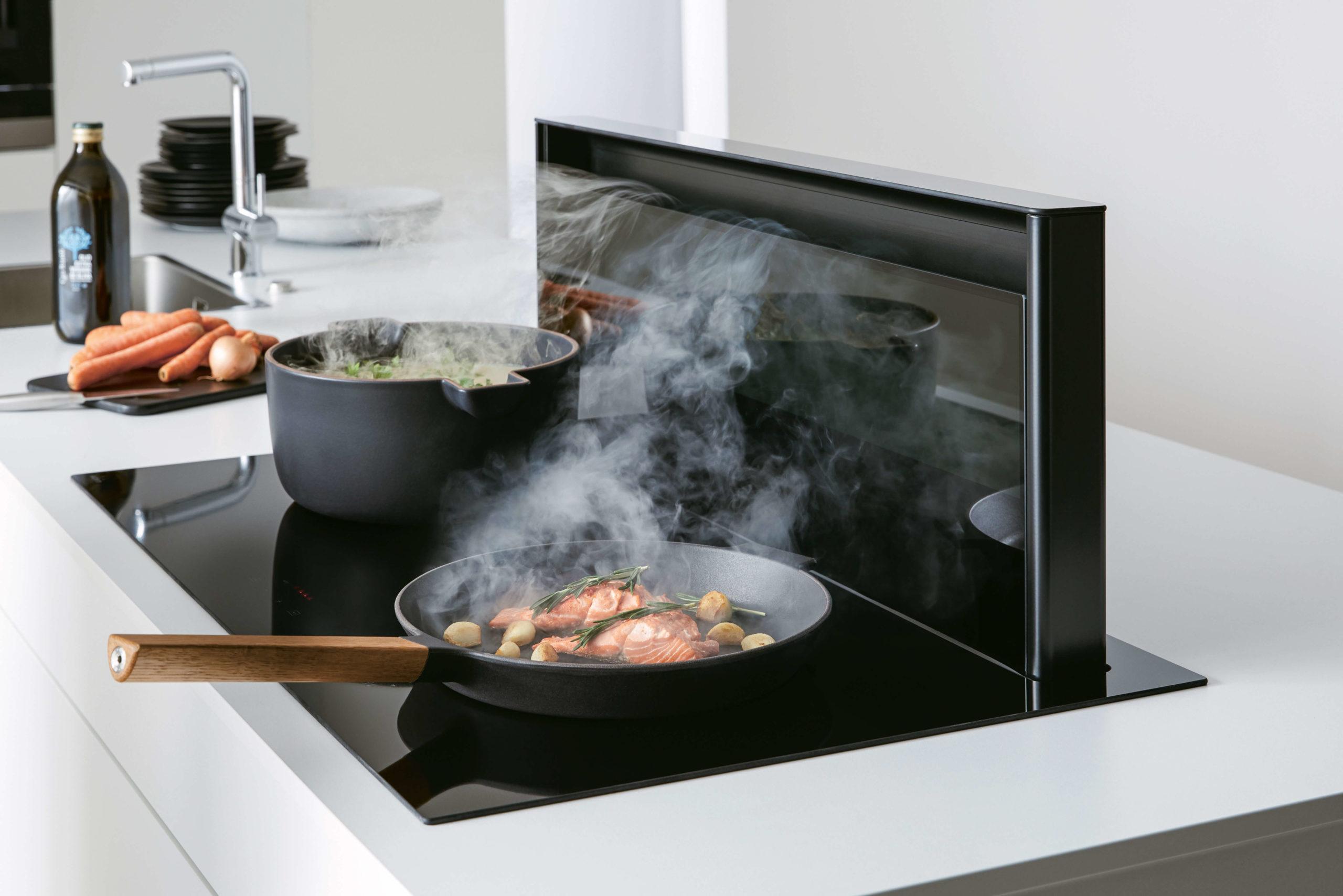 Muldenlüfter im Kochfeld integriert. Tipps, Tricks und Test.