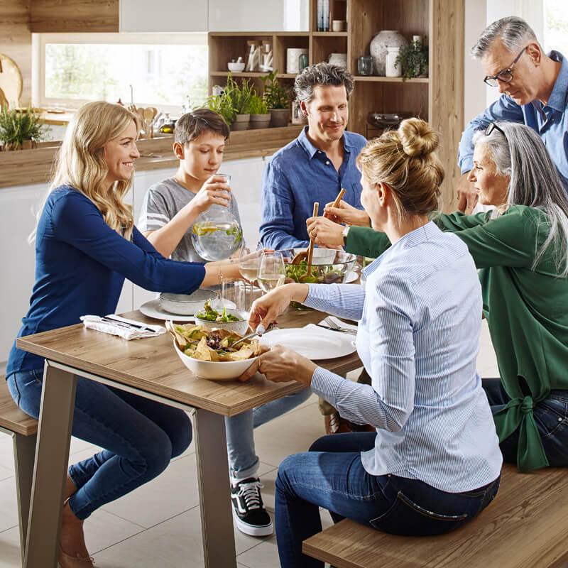 Neue Küche - Einweihung mit Freunden. Beratungsqualität und Service bei Spitzhüttl Home Company