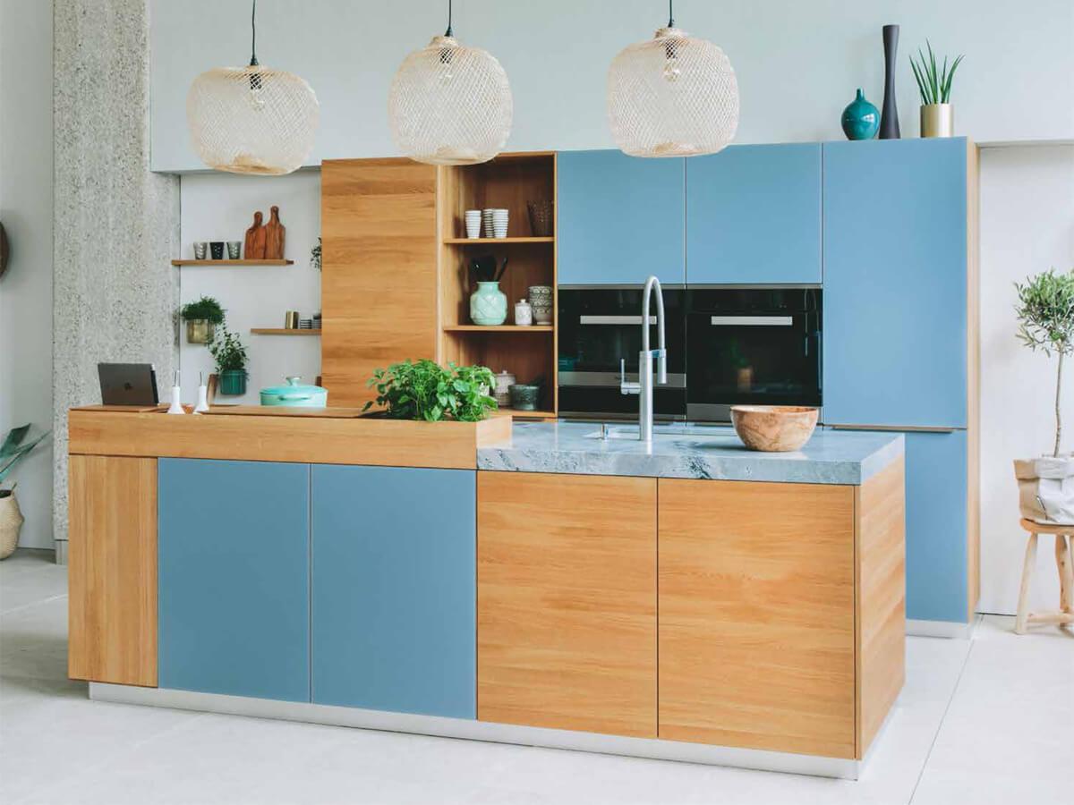 Inselküche, offene Wohnküche, Massivholzküche von walden