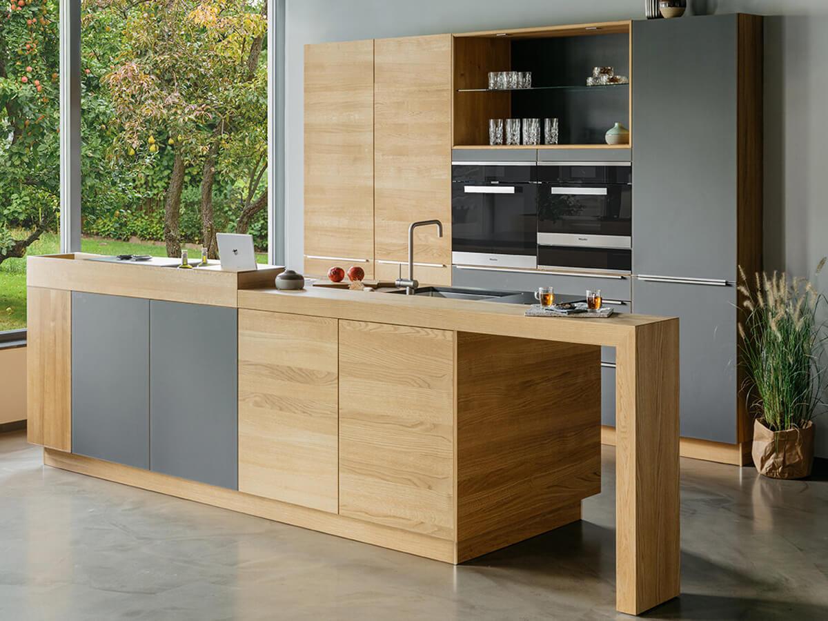 Moderne Massivholzküche in Eiche von walden, Inselküche