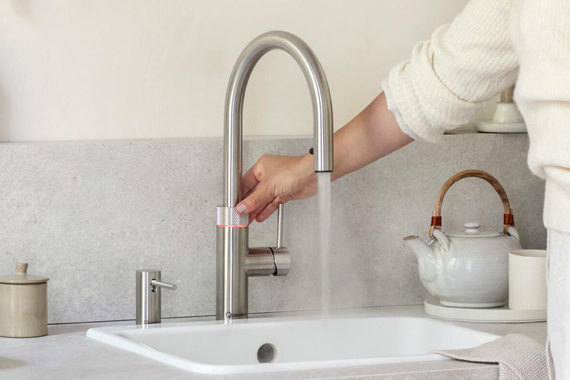 Quooker Wasserhahn in Benutzung