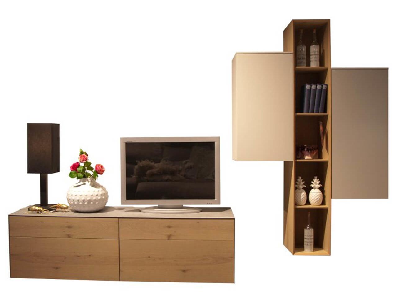 Wohnwand Contur Farini im Abverkauf - Kombination aus grau und Eiche mit TV-Lowboard und Hängeelement