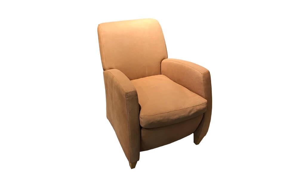 hellbrauner Sessel im Abverkauf