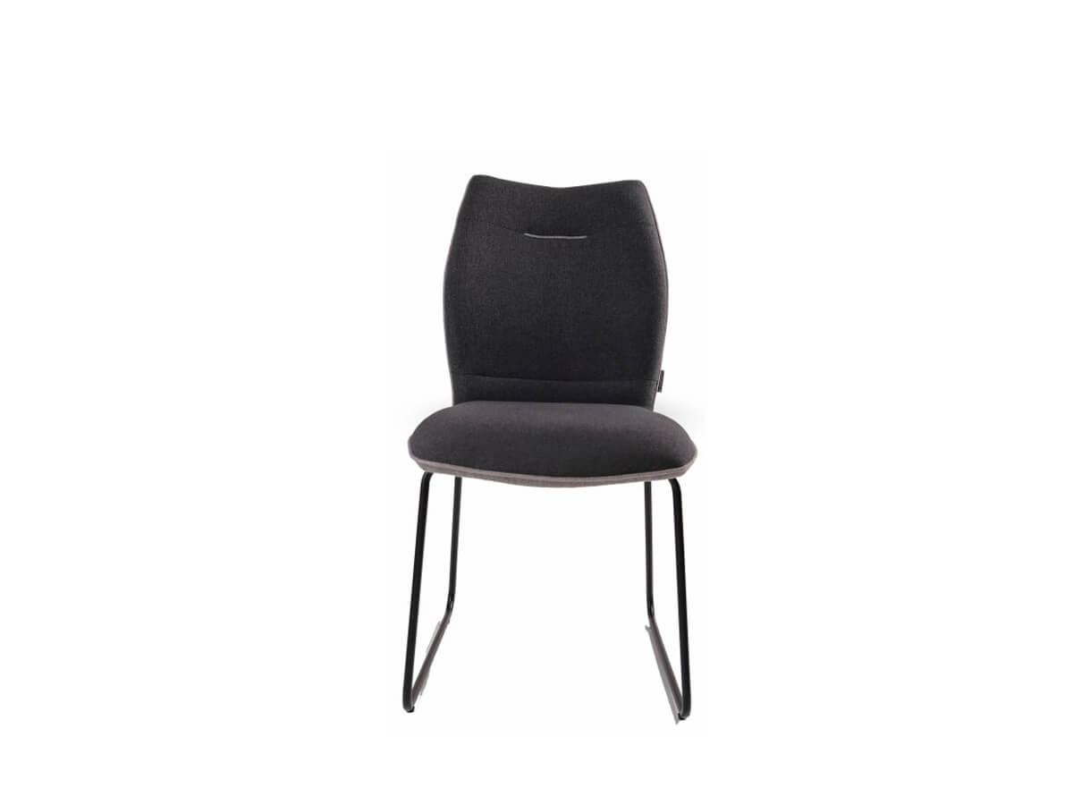 Stuhl Mae mit Kufengestell und schwarz/grauem Bezug