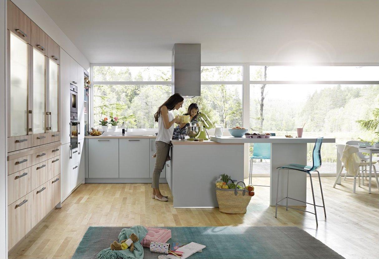 Familienküche Global 55.100/51.130 in Gletscherblau und Buche Nachbildung